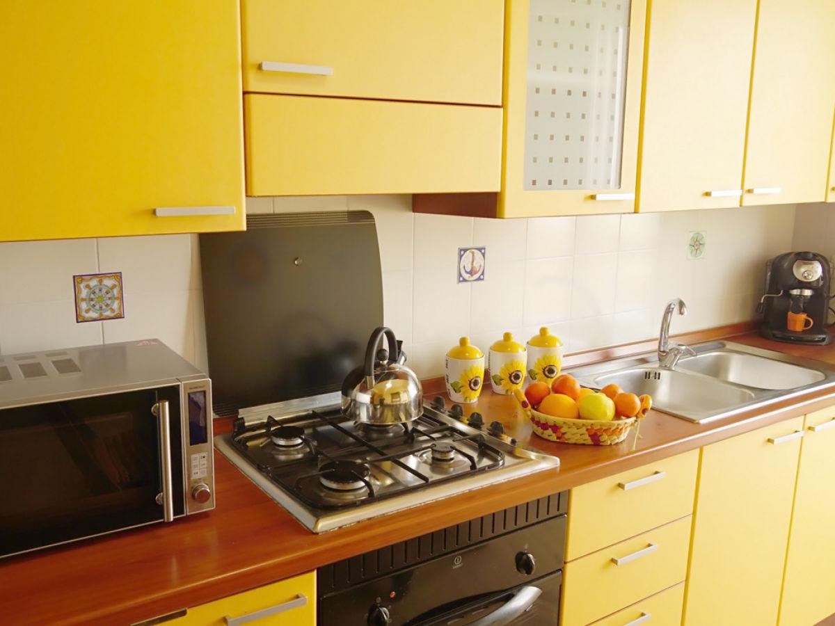 ferienwohnung casa girasole ii sizilien messina firma. Black Bedroom Furniture Sets. Home Design Ideas