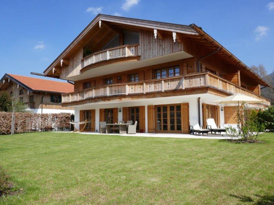 3 Zimmer Wohnung mit Terrasse und Garten 500qm²