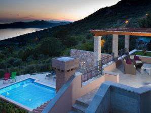 Villa Dia