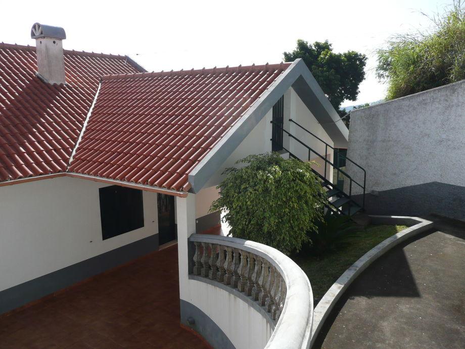 Kücheneingang und Aufgang zum Dach