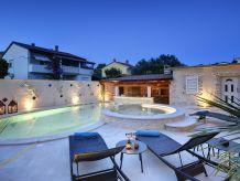 Villa Villa 305