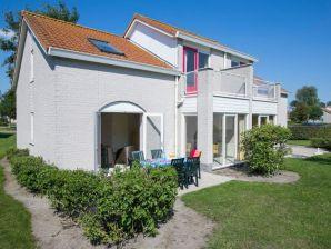 Ferienhaus Oester im Ferienpark de Soeten Haert in Renesse