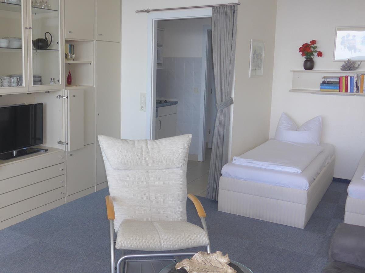 ferienwohnung 104 fewo mit meerblick westbalkon haus. Black Bedroom Furniture Sets. Home Design Ideas