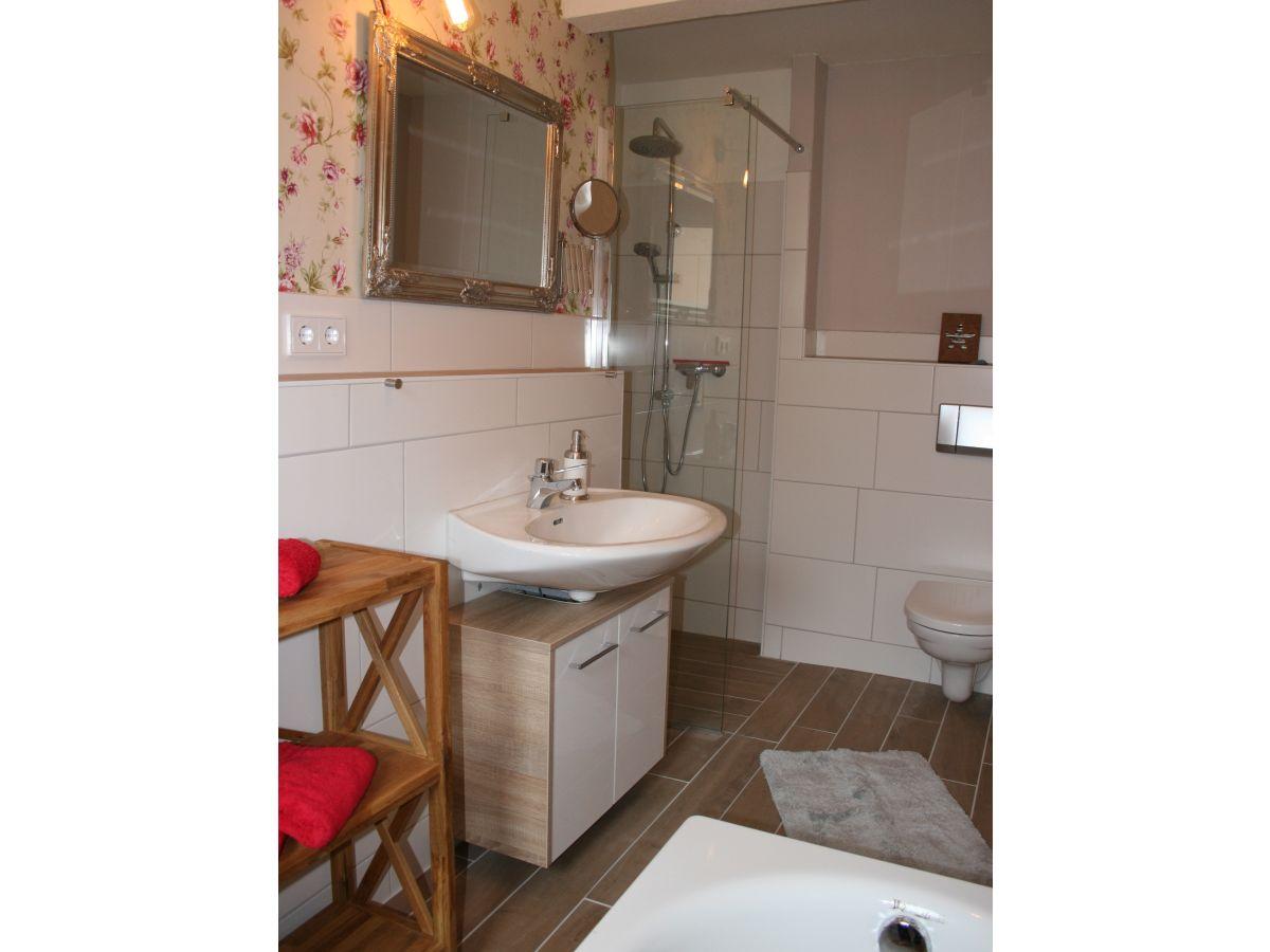 Kleines Bad Mit Wanne luxus kleines bad mit wanne und dusche ebenbild erindzain