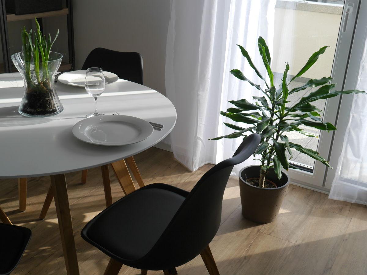 ferienwohnung fr hburgunder im ferienhaus lehm ttle. Black Bedroom Furniture Sets. Home Design Ideas