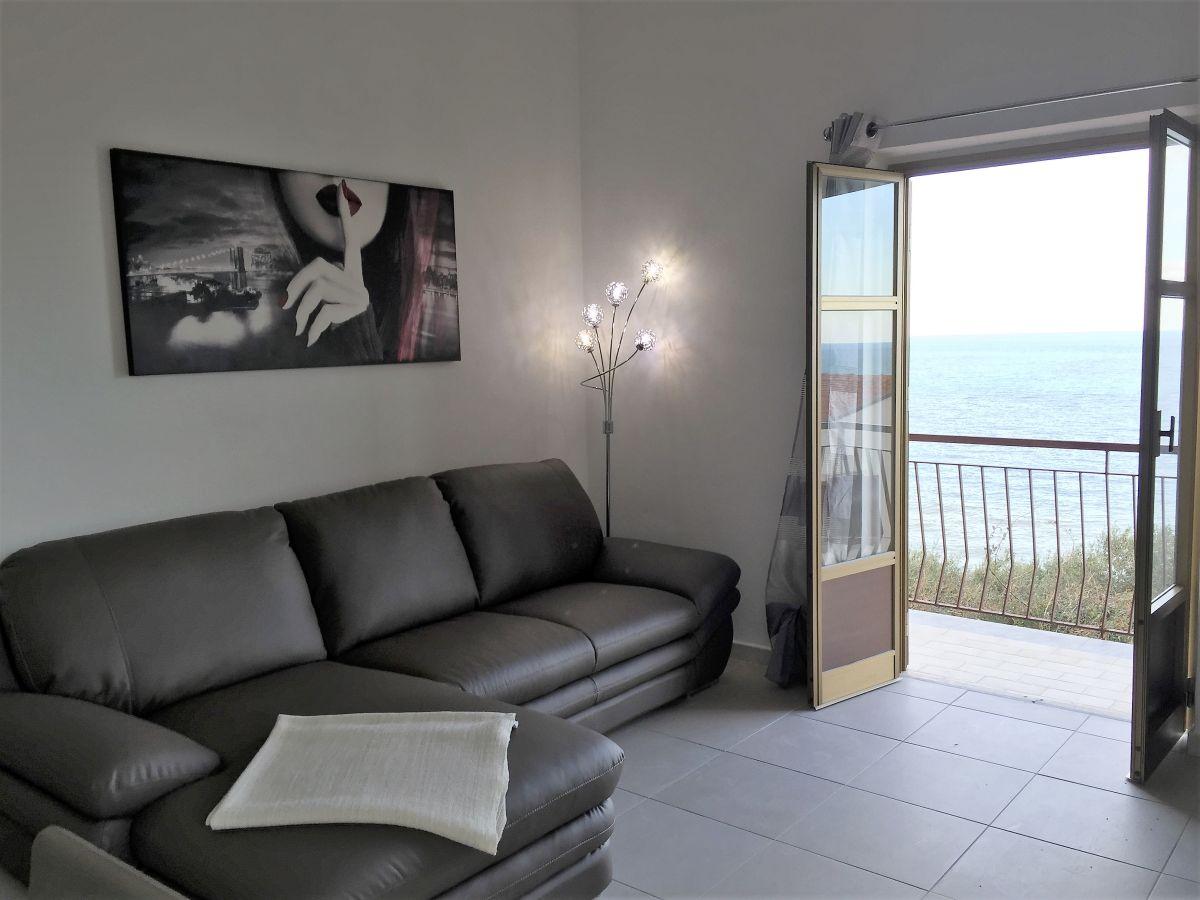 ferienwohnung terrazza dell 39 angolo cefal palermo firma sicily rental sales margherita. Black Bedroom Furniture Sets. Home Design Ideas