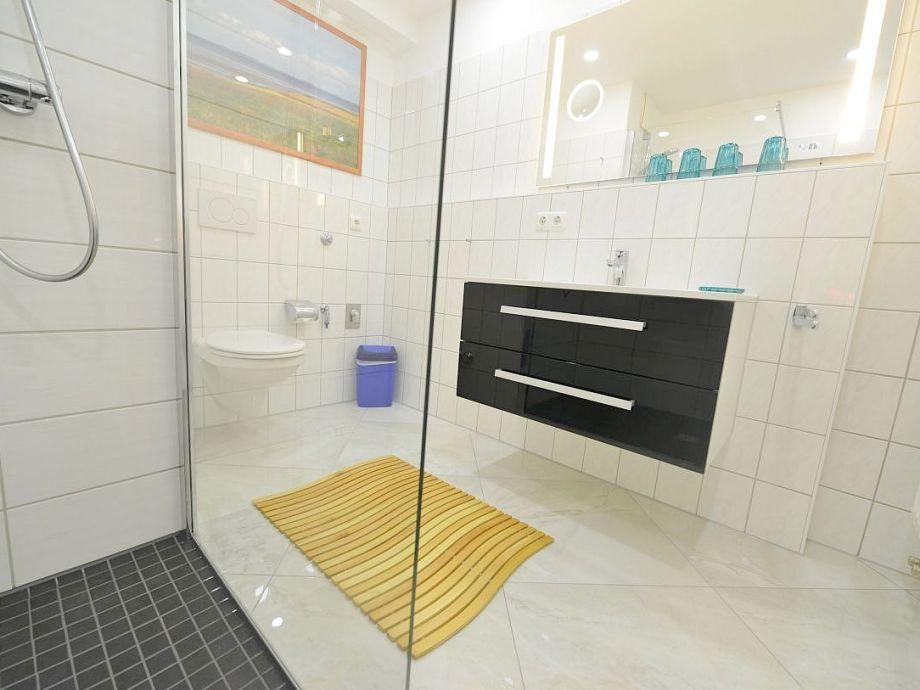 Neues Bad Dusche/WC ebenerdig