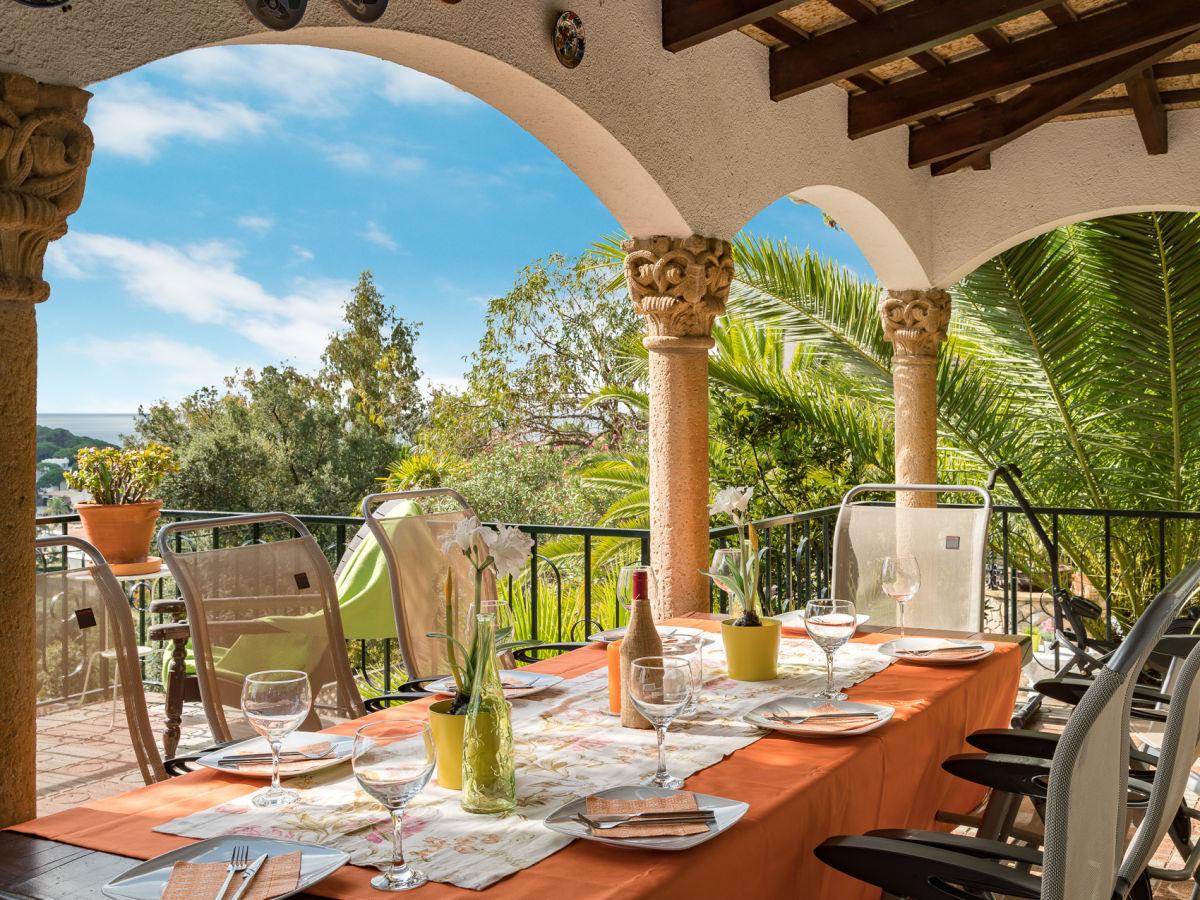 terrasse vor wohnzimmer deko ~ surfinser.com - Villa Wohnzimmer Dekoration