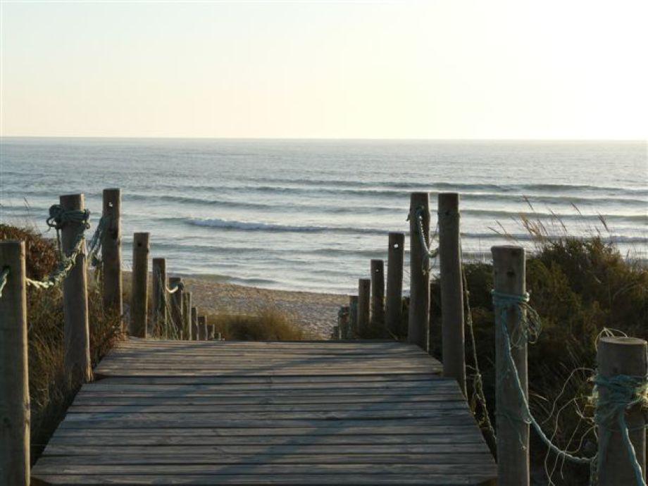 Weg durch die Dünen von Vila P. D. Ancora zum Atlantik