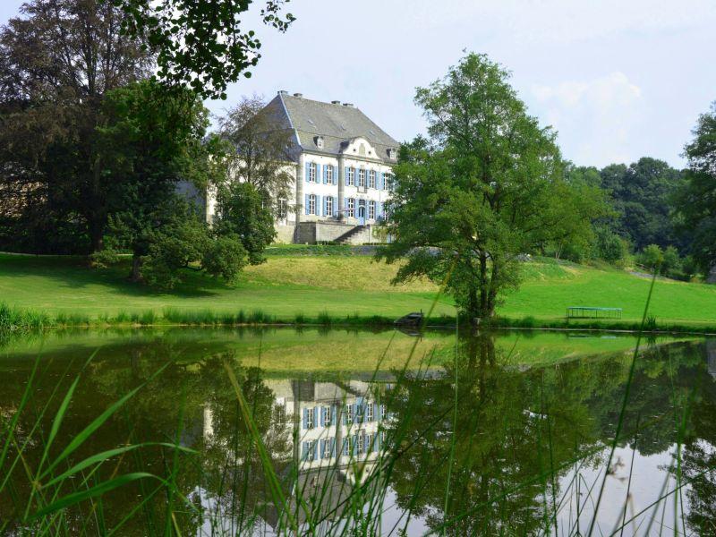 Schloss Chateau des Deux Etangs 24 pers