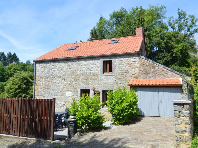 Ferienhaus Vue sur le Chateau de Montaigle