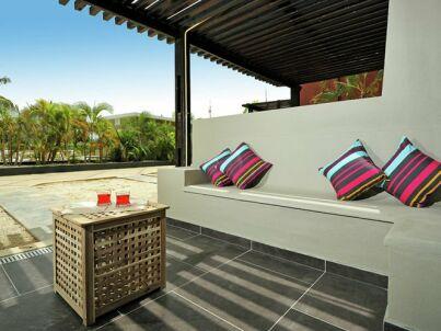 Eden Beach - Two Bedroom Apartment Terrace