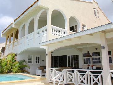 Villa Allure Mambo Beach