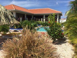 Villa Sonrisa Vista Royal