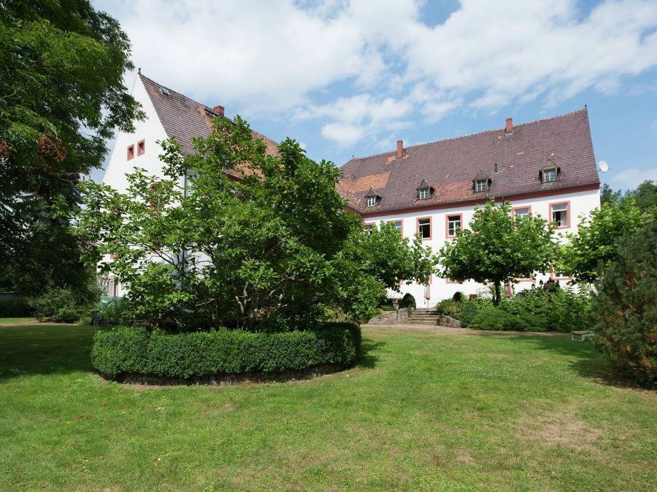Außenaufnahme Urlaub im Schloss