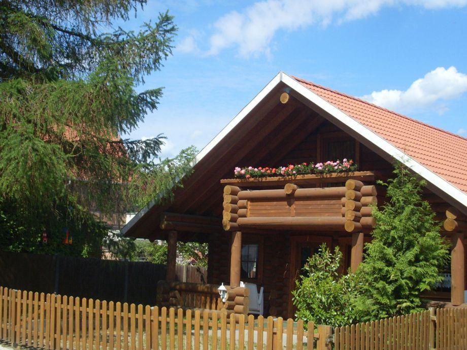 Außenaufnahme Holzhaus Ute