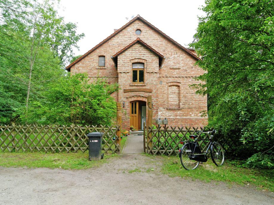 Außenaufnahme Forsthaus Kleine Heide