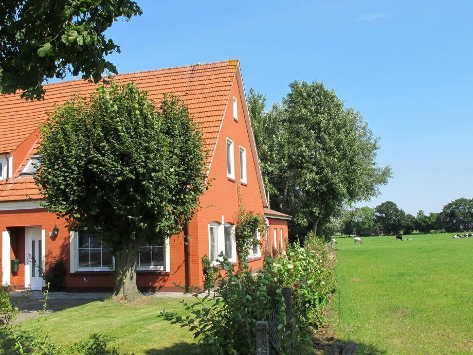 Außenaufnahme Villa Ostfriesland II