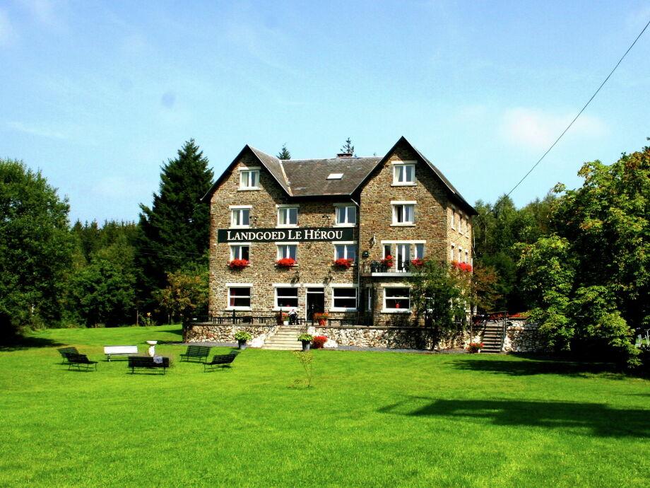 Außenaufnahme Ardennen Landgoed Le Herou