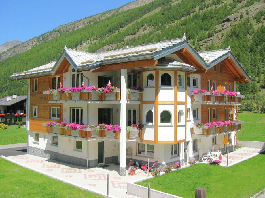 Außenaufnahme Haus Alpenstern Wohnung Älpi