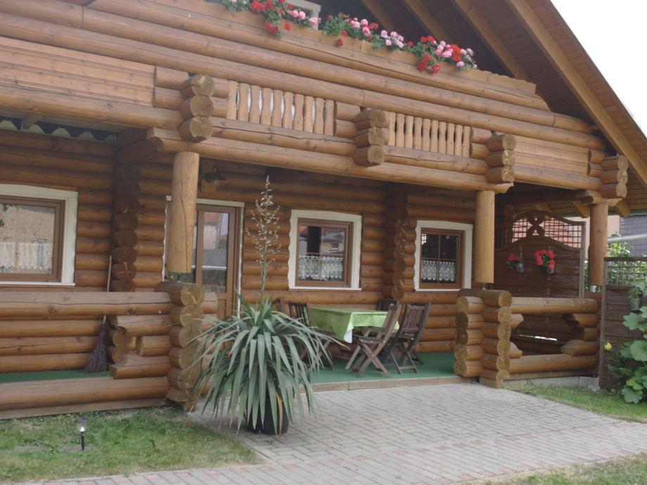 Außenaufnahme Holzhaus Andi