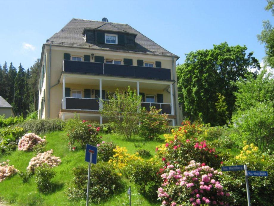 Außenaufnahme Villa Goldbrunnen
