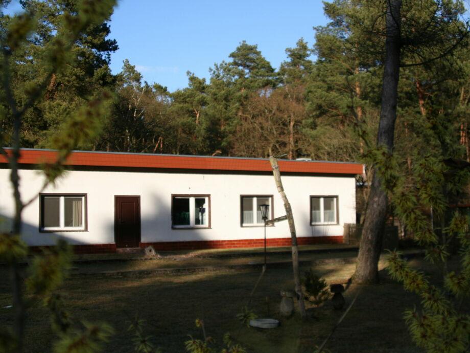 Außenaufnahme Forsthaus Kribbelake