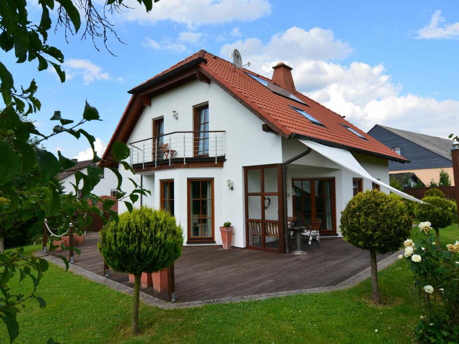 Außenaufnahme Villa Hessen