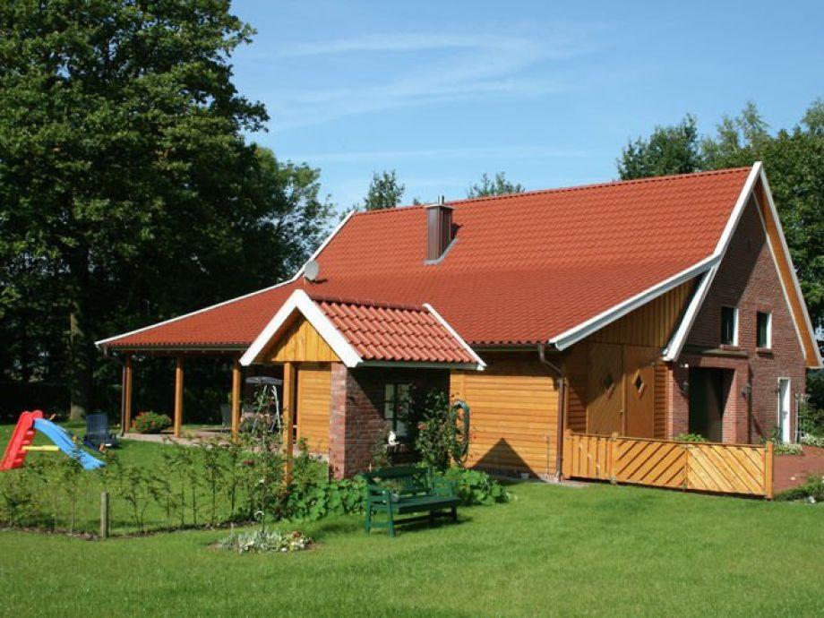 Außenaufnahme Landhaus Lindern
