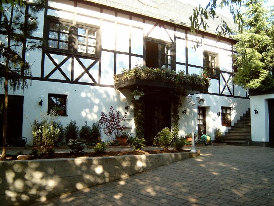 Außenaufnahme Tudor Lodge