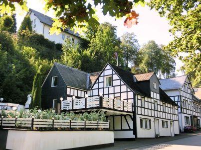 Haus-Nr: DE-57392-64