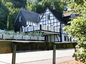 Ferienwohnung Haus-Nr: DE-57392-65