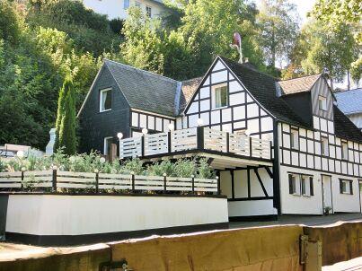 Haus-Nr: DE-57392-67
