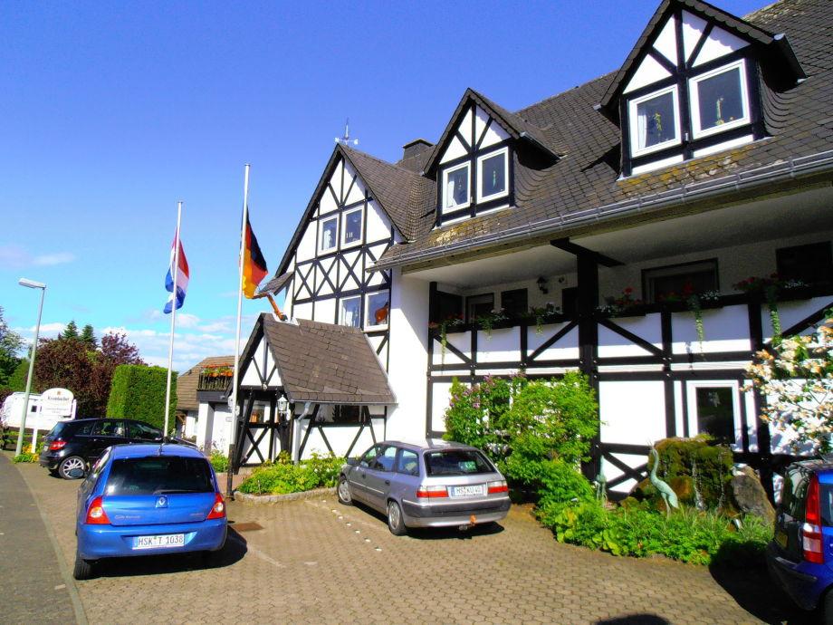 Außenaufnahme Sauerland-Blick