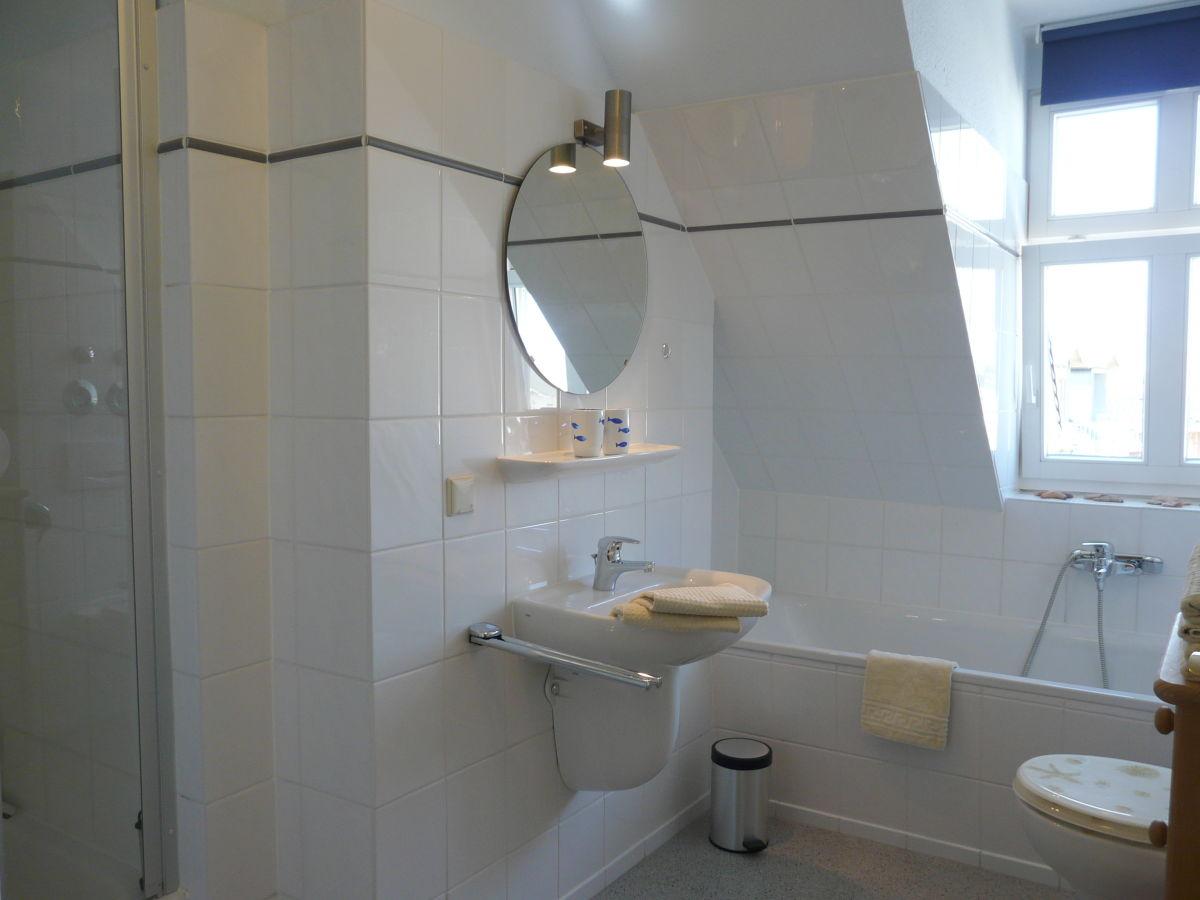 ferienwohnung schloss hohenzollern usedom familie anke. Black Bedroom Furniture Sets. Home Design Ideas