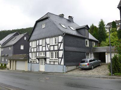 Haus Lattice
