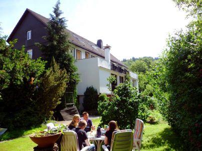 Gruppenhaus am Bach