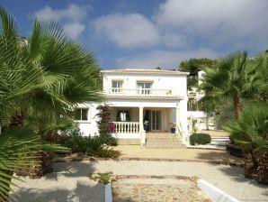 Villa Junique