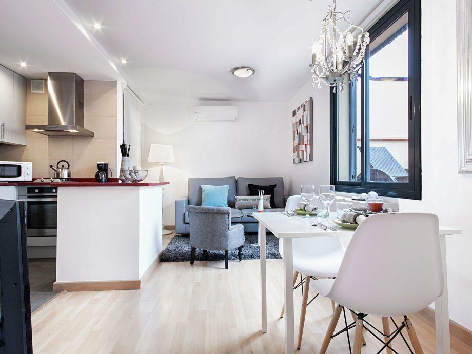 Außenaufnahme Rambla Paris Attic Apartment