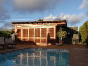 Villa Mango II