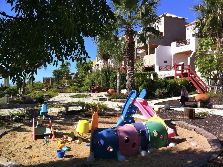 Außenaufnahme Family-wellnes-Pool-Calm