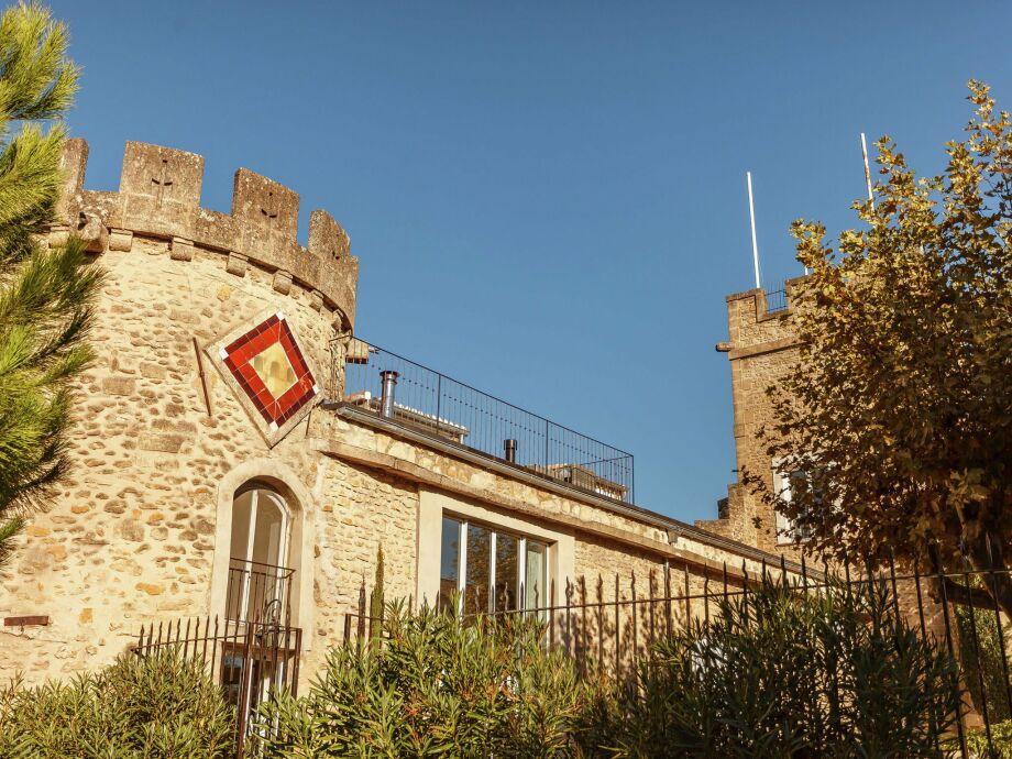Außenaufnahme Château - Jonquières