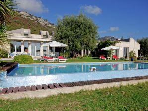 Villa Mas 1