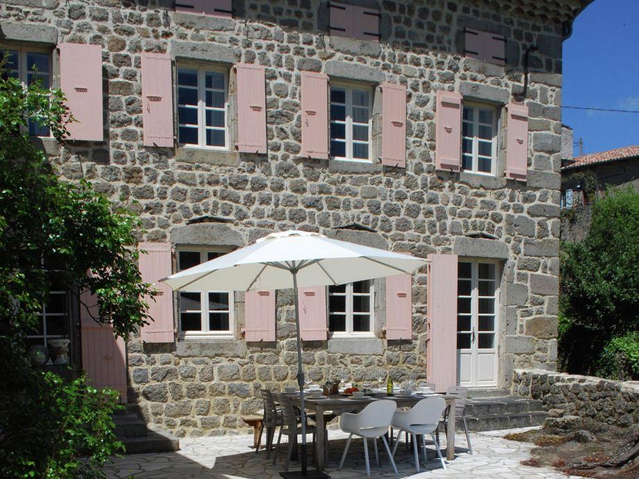 Außenaufnahme Maison de vacances - SAINT ETIENNE DE SERRE Le Manoir