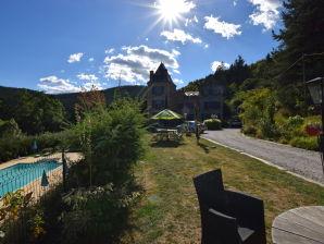 Ferienwohnung Appartement - château en Ardèche la fleur