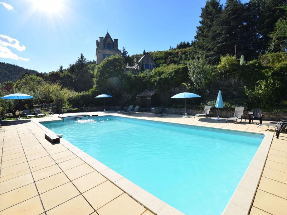 Außenaufnahme Caradoc dans un château en Ardèche