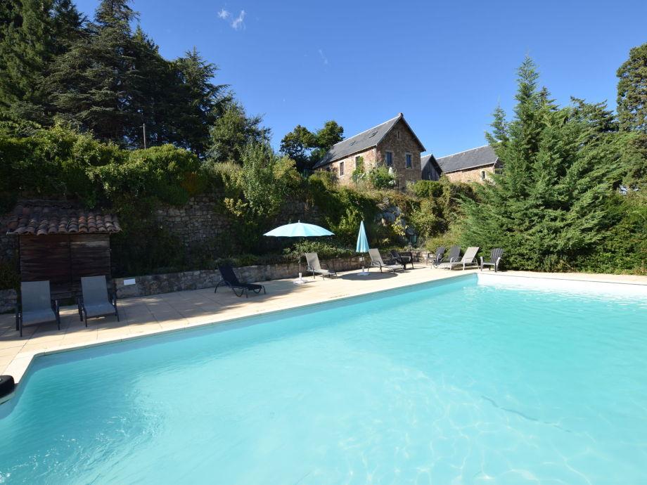 Außenaufnahme Appartement château en Ardèche annexe 2