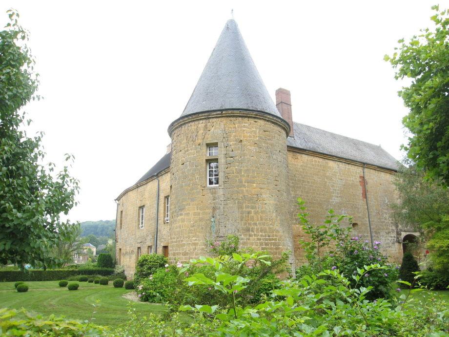 Außenaufnahme Chateau de Clavy Warby