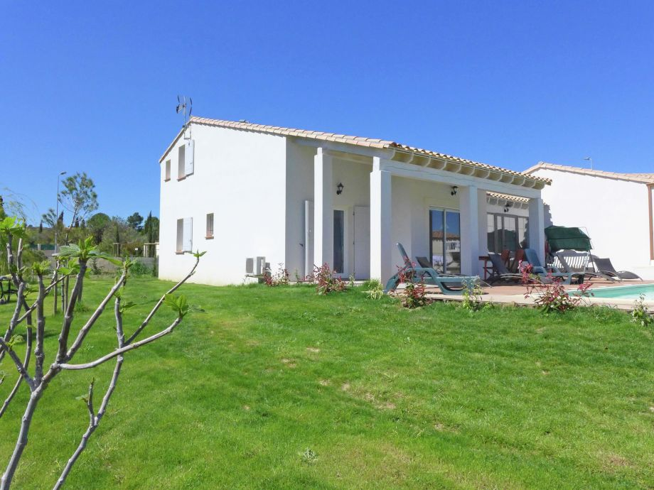 Außenaufnahme Belle villa avec piscine privée - NARBONNE