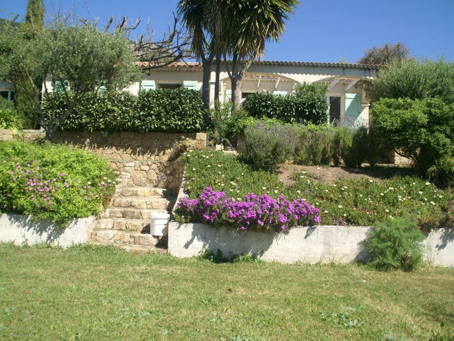 Außenaufnahme Villa du Maquis